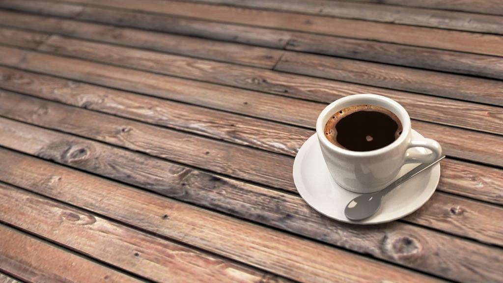 cup-of-cofee-wood-floor-render.jpg