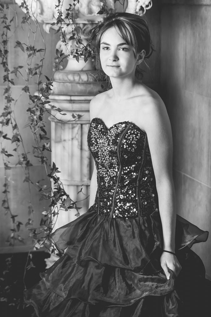 Model: Emilie - MUA: Jessy Lambert - Hair: Carine Giunta - Styli